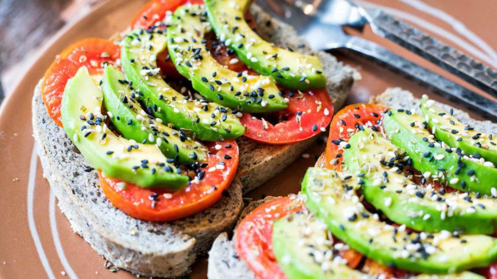 Podívejte se na potraviny, stejně jako rutiny, které pomohou zhubnout