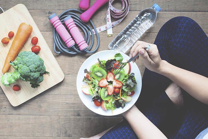 Veganské stravy pomoc při snižování hmotnosti, ale to by měla být dokončena s radu ...